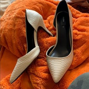 Faux snakeskin aldo cream heels